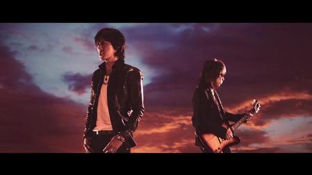 B'z _ 君を気にしない日など - from YouTube_00_01_10_03_2109