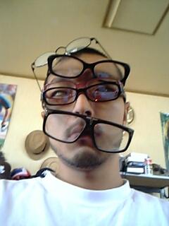 眼鏡何個付いてるでしょう??