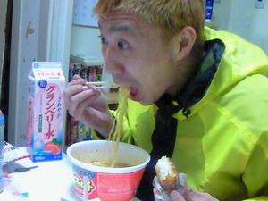 豚キムチラーメンを食う