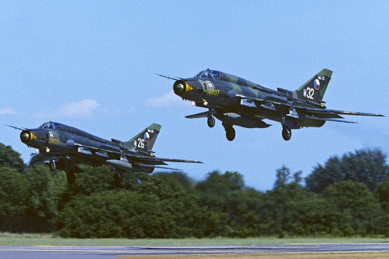 20JUL'95_EGVA_Su-22x2Czech