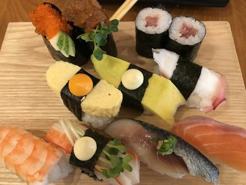 ローカル寿司盛り