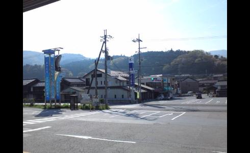 醒ケ井駅前
