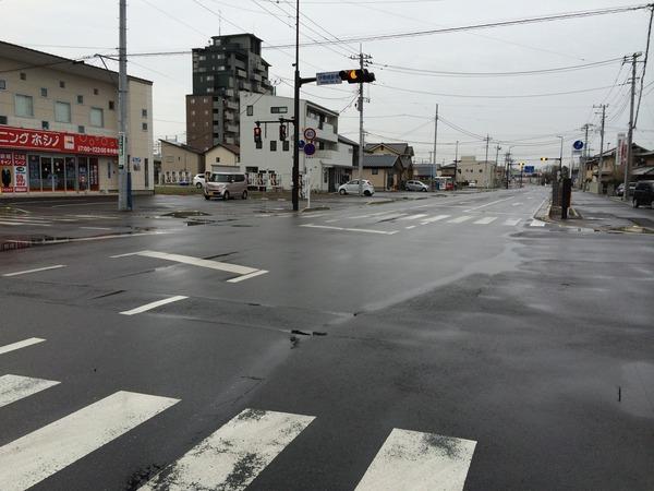 伊勢崎駅前