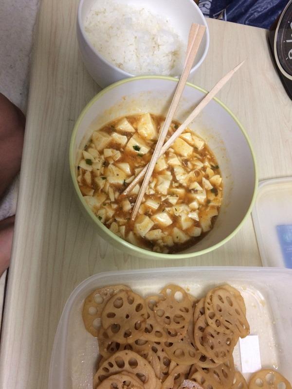 レンコンのきんぴらとマーボー豆腐