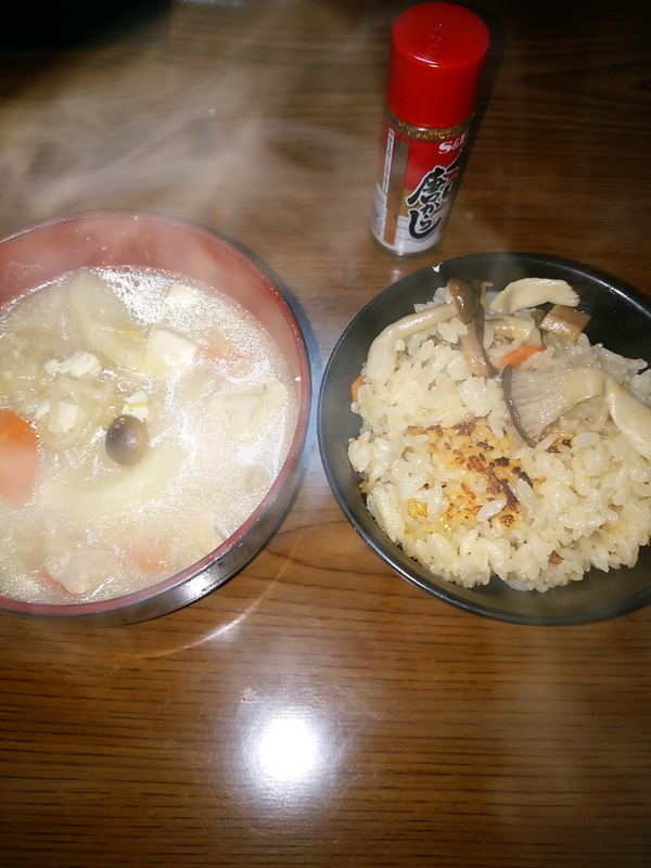 豚汁、炊き込みご飯
