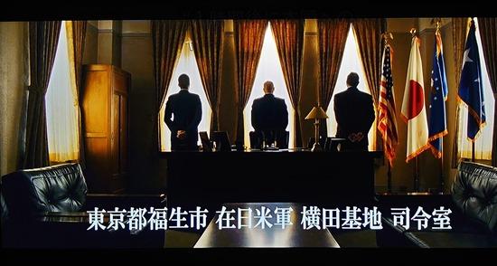 庵野秀明「ハァ…ハァ…15億円かけてシンゴジラ撮ったぞ…!」小林賢太郎「フンッ(165億円」