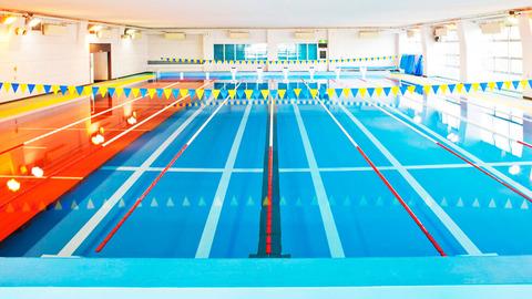 club-swimming-01