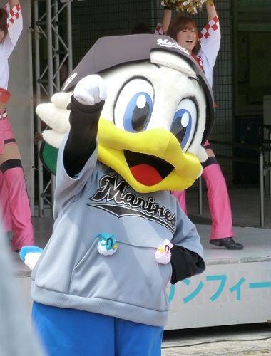 chiba-lotte-marines-mascot4