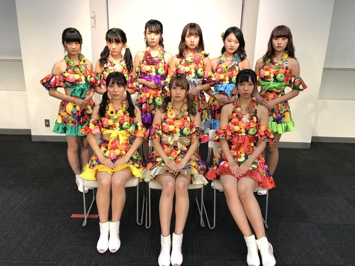 【画像】生気がないアイドルグループが見つかる