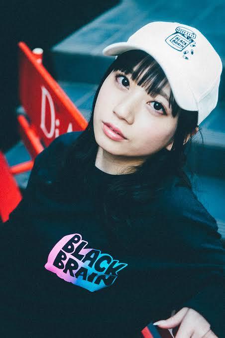 【悲報】こんなレベルの容姿と18才の若さがあってもAV落ちする日本国