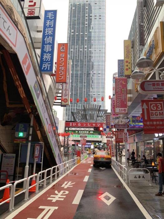 【画像】中国にある「日本街」エリアがカオスすぎるんだけど・・・・