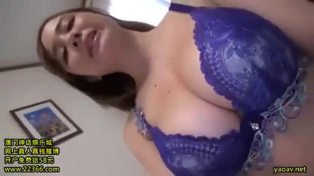 素人≫ 素人 sex 巨乳の素人人妻の、sex寝取られ動画。いい乳してます!