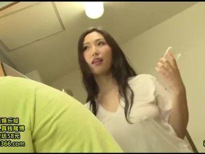 熟女≫佐山愛  おっきいおっぱい人妻ちんぽ汁勢い良くどっぴゅん