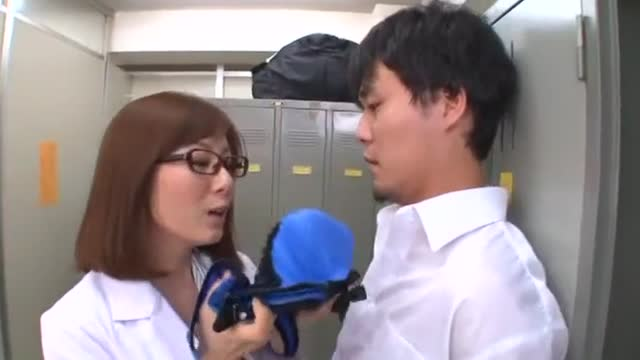 熟女≫麻美ゆま  デカパイスタイル抜群眼鏡綺麗な熟女パイズリ