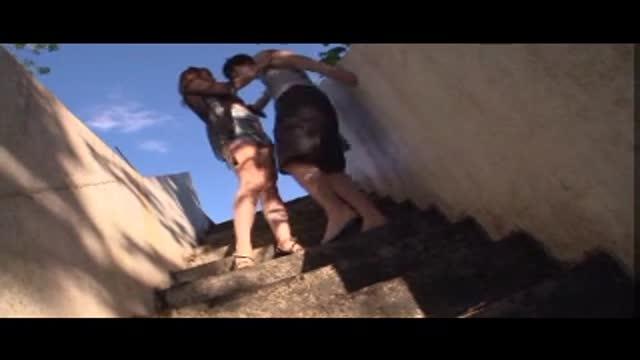熟女動画 〉 野外フェラチオ熟女動画 デカ尻の豊満な美熟女がチンポを激しくしゃぶり尽くして顔射させる!
