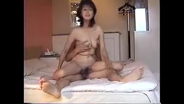熟女 〉 熟女 不倫 ドMな熟女人妻の、不倫セックスアナルプレイがエロい!! 流出動画