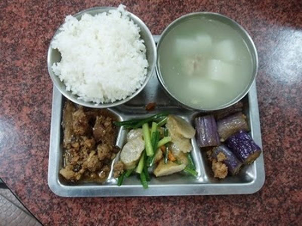 worldly_school_lunches_640_27