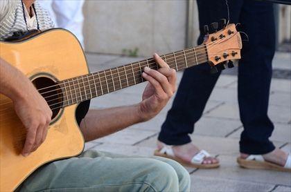 guitar-445387_960_720