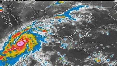 b_huracan patricia2