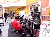 20050130-1502-船橋市浜町2・ビビットスクエア・島村ミュージック・イベント・ドラム-DSC04959
