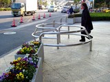 20041226-1452-船橋市浜町2・ららぽーと・競馬場側ゲート-DSC02950