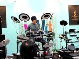 20050130-1512-船橋市浜町2・ビビットスクエア・島村ミュージック・イベント・ドラム-DSC04961