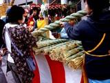 20051228-船橋市本町4・厳島神社・しめ飾り-1502-DSC02490