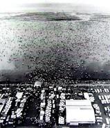 1960(昭和35)年:幕張海岸の潮干狩り