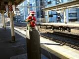 20051213-新橋駅・JR山手線外回り・しょんべん小僧-0940-DSC00609