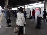 20050411-0900-千葉北東部地震・JR京葉線・JR南船橋駅-DSC08420