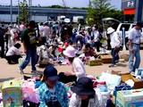 20050529-習志野市芝園1・日産カレスト幕張・カレストホール前ひろば・フリーマーケット-1019-DSC02087
