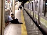 20050729-JR東京駅・よっぱらい-2249-DSC03319