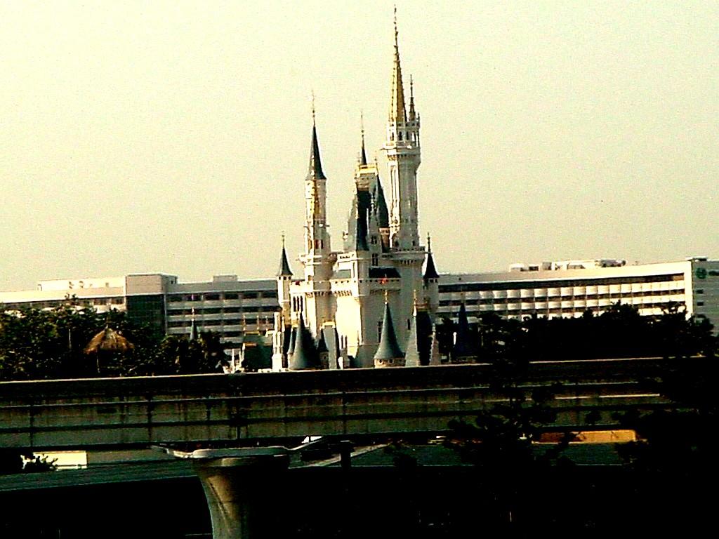 東京ベイ船橋ビビット2006part1:東京ディズニーランドのシンデレラ城