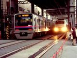 20041126-船橋市本町・京成船橋駅・踏み切り-DSC01202