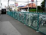 20060624-船橋市宮本・京成船橋競馬場駅前・駐輪場-1400-DSC06499