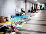 20061210-船橋駅南口・地下道・フリーマーケット-1207-DSC07330