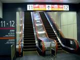 20040703-船橋市・西船橋駅・武蔵野線エスカレータ-DSC03511