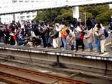 20090211_JR京葉線_千葉みなと駅_SL_C57-180_1209_DSC02421