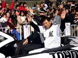 20101121_千葉ロッテマリーンズ_幕張優勝パレード_1125_DSC02919
