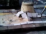 20110311_東日本巨大地震_幕張_グリーンタワー_液状化_255999026T