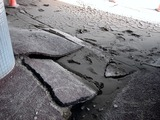 20110317_東日本大震災_浦安_舞浜駅前南口_液状化_1451_DSC07138