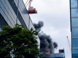 20110311_東日本巨大地震_お台場でビル火災中_255958043T