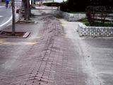 20110320_東日本大震災_幕張新都心_歩道_NTT回線_1220_DSC08193