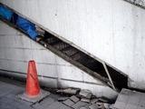 20110317_東日本大震災_浦安_舞浜駅前南口_液状化_1452_DSC07145