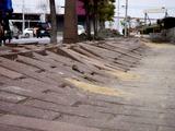 20110320_東日本大震災_幕張新都心_歩道_NTT回線_1221_DSC08195