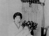 1953年_昭和28年_美容院_パーマ_女性_電髪_052