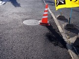 20110326_東日本大震災_船橋市市場_歩道_マンホール_1644_DSC09009