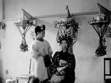 1953年_昭和28年_美容院_パーマ_女性_電髪_022