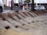 20110320_東日本大震災_幕張新都心_歩道_NTT回線_1221_DSC08198
