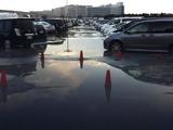 20110311_東日本巨大地震_ディズニーランド_駐車場_255958682T